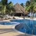 the-pool-and-dining-bar-r